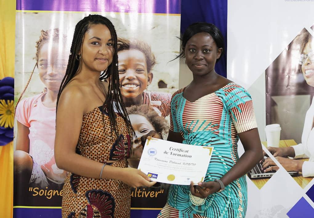 La Fondation TEOLIS  soutient la formation des femmes au TICS