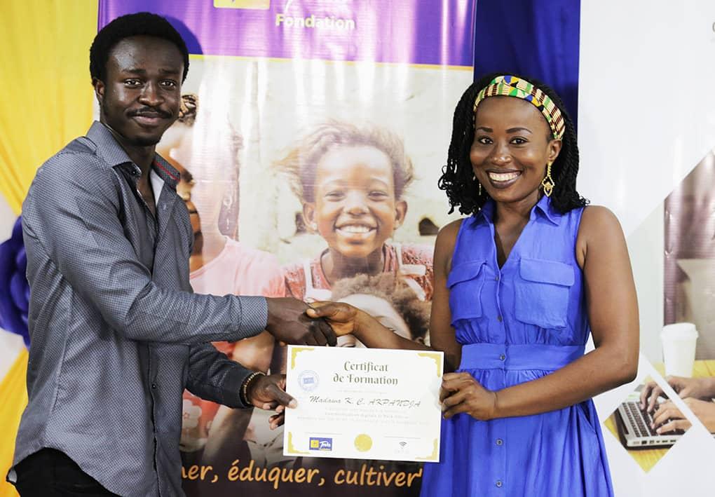 12 femmes Togolaises formées aux fondamentaux des Tics